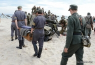 101-d-day_hel_2012_plaza-100
