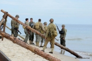 118-d-day_hel_2012_plaza-117